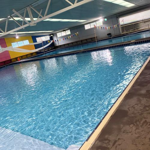 heated swimming pool thornton